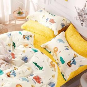 Комплект постельного белья 1,5-спальный, печатный сатин 1228-4S