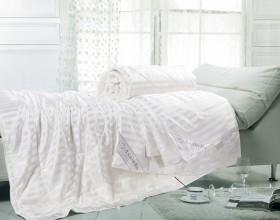 Одеяло шёлковое 145х205 см в шёлке, S-1